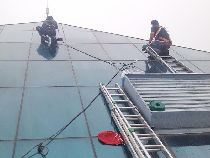 servicios-limpieza-de-ventanas-mullor