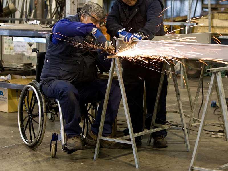 trabajador-con-discapacidad-mullor-centro-de-empleo
