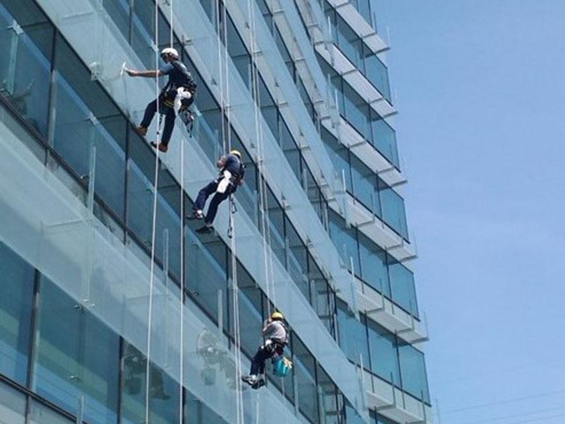 servicios-tecnicos-limpieza-de-altura-mullor